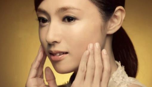 深田恭子 今年「最も美しい顔」に、美しさの秘訣は普段から.JPG